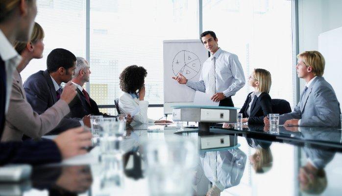 Mempersiapkan Memimpin Rapat yang Baik dan Efektif