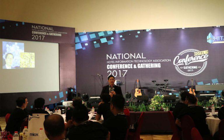 "Seminar Motivasi & Inspirasi ""Managing Teamwork With Millenials"" dalam Gathering & Conference Hotel Information Technology Association (HITA), 25 November 2017 di Allium Hotel, Tangerang"